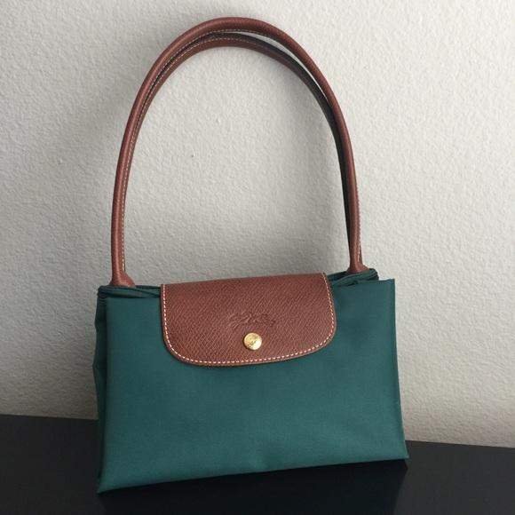 Longchamp Handbags - Longchamp Nylon   Leather Tote Hunter Green 7685786f120c5